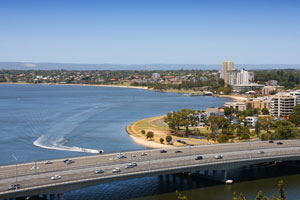 Main Roads Western Australia (MRWA) has awarded the tender to construct an extra northbound lane on Perth's Kwinana Freeway using smart technology.