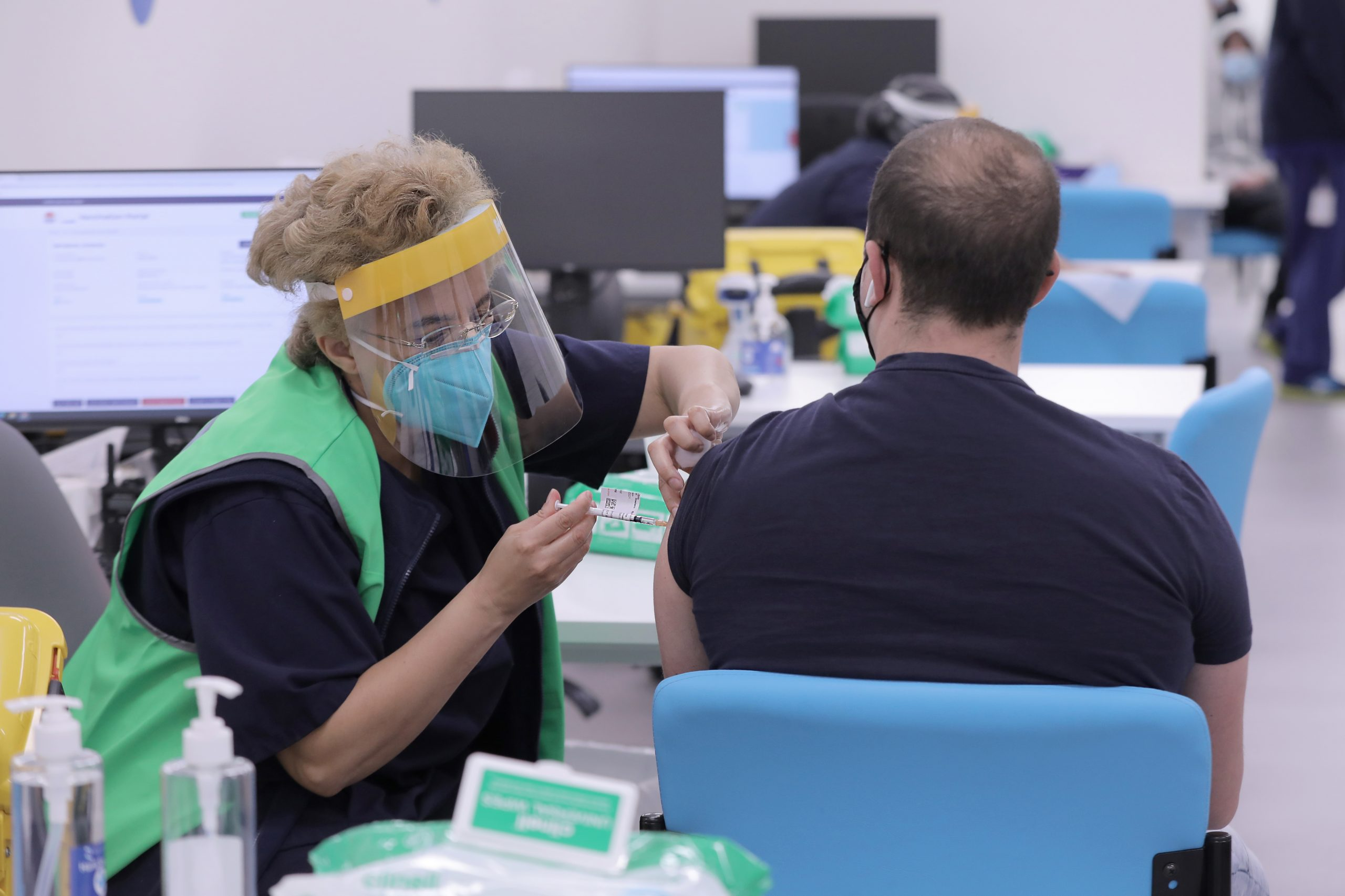 Construction workers from affected Sydney LGAs given vaccine priority