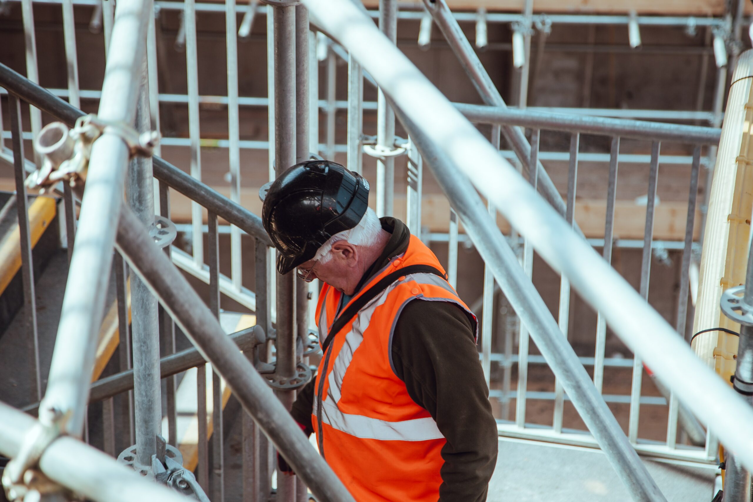 Victoria's construction industry reopens after two-week closure