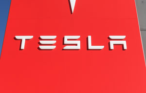The South Australian Government has fast tracked the construction of the plant by granting Tesla a $2 million grant alongside a $30 million loan from the Renewable Technology Fund.