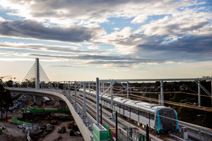 Sydney Metro's new railway bridge over Windsor Road at Rouse Hill has won a major international design and construction award.