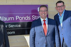 The Victorian Government has announced it will deliver a $736 million project to duplicate an 11-kilometre section of rail between South Geelong and Warun Ponds stations if re-elected.