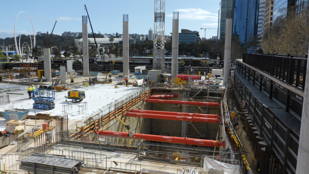 The Coates Engineering team undertakes sheet piling on braced or unbraced temporary works applications.