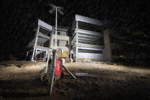 The MX FUEL™ Tower Light/Charger is designed to withstand the harshest job site conditions.